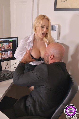 DDFBusty/DDFNetwork - Angel Wicky - Cum-Covered Cans: Boss Crams Cock into Buxom Babes Mouth (FullHD/1.06 GB)
