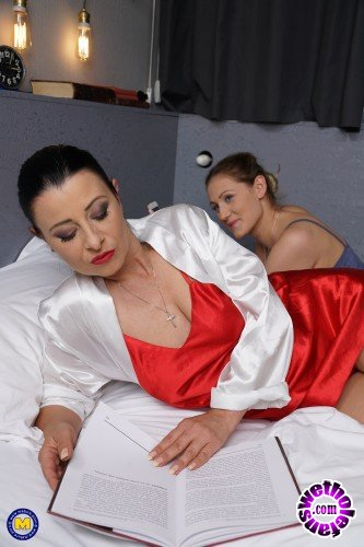Mature - Bonny Devil (43), Desiree (20) - Hot babe having fun with a naughty mature lesbian (FullHD/1080p/1.21 GB)