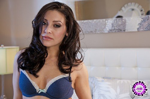 WickedPictures - Gracie Glam - Immortal Love, Scene 1 (FullHD/1080p/606 MB)