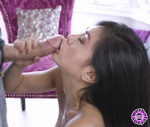OnlyTeenBlowJobs/MyXXXPass - Ember Snow - Suck Something (FullHD/1080p/739MB)
