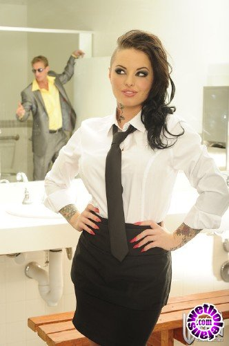 WickedPictures - Christy Mack - Getting Schooled, Scene 3 (FullHD/1080p/1.38 GB)