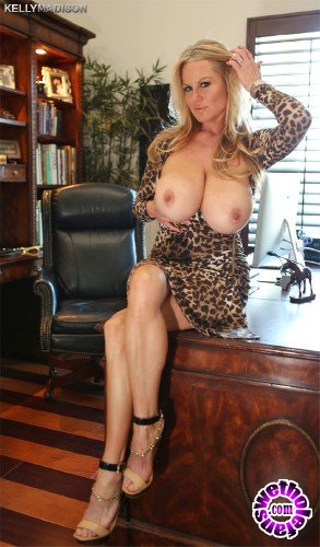 KellyMadison - Kelly Madison - Office Hunting (FullHD/1080p/932 MB)