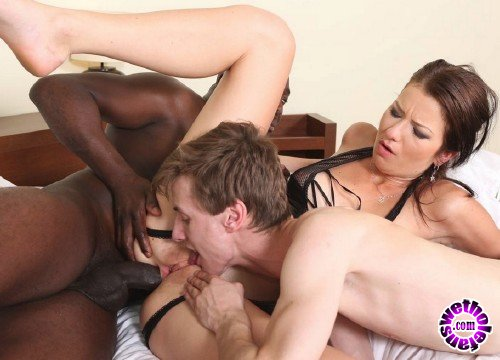 Pinkoclub - Amateurs - In front of my husband, I enjoy more (FullHD/1080p/1.12 GB)