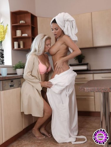 MomXXX - Anissa Kate, Kathy Anderson - Busty mature lesbians pussy eating (FullHD/1GB)