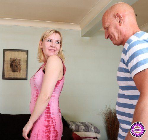 Mature - Kate Aveiro EU 38 - British housewife fucking and sucking (FullHD/1080p/1.18 GB)