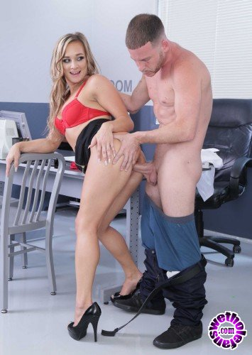 NaughtyOffice/NaughtyAmerica - Tucker Stevens - Naughty Office (HD/662MB)