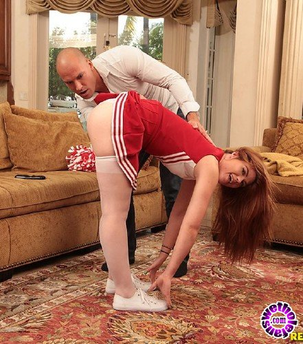 TeensLoveHugeCocks/RealityKings - Hunter Rose - My Stepdaughter The Cheerleader (FullHD/2.18 GB)