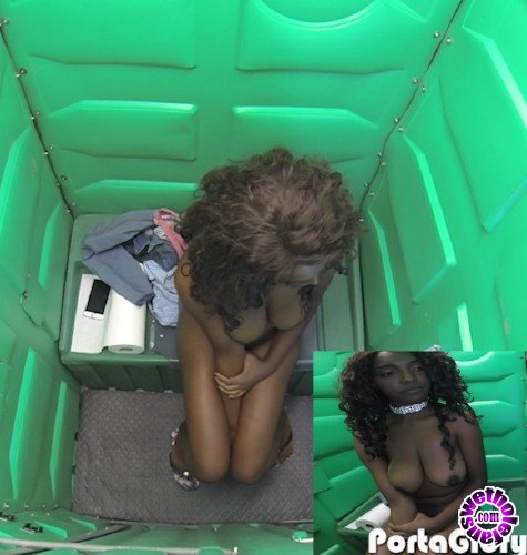 PortaGloryhole - Daya - Daya in the Porta Gloryhole for the First Time (FullHD/1080p/1.24 GB)