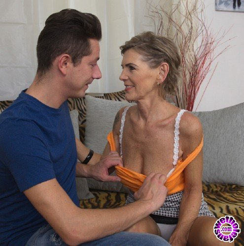 Mature - Irenka S. 58 - Horny housewife Irenka doing her toyboy (FullHD/1080p/1.84 GB)