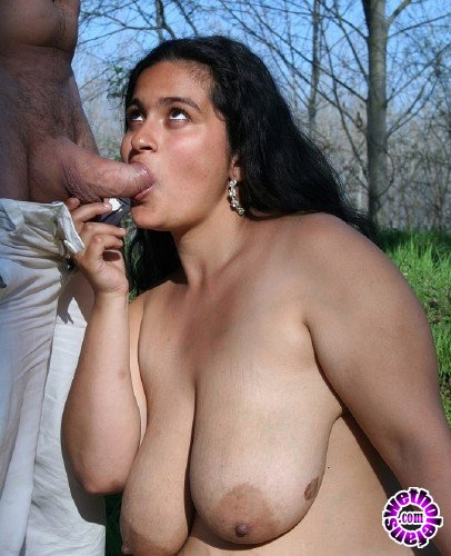 TuttiFrutti - Amateurs - Bbw hairy gypsy Goddess - Casting in the park (FullHD/1080p/2.40 GB)