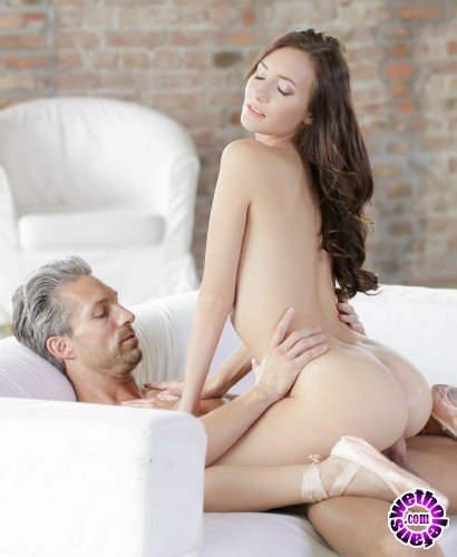 21FootArt/21Naturals - Heather Harris, Lutro - Ballerina Love (FullHD/829MB)