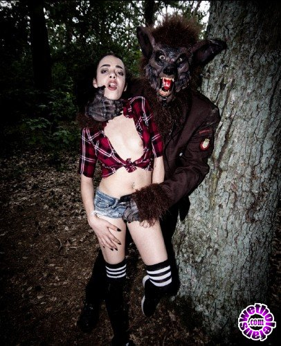 BadTimeStories/PornDoePremium - Khadisha Latina - Halloween Bdsm story in the forest with German teen Khadisha Latina Pt 1 (FullHD/1080p/2.94 GB)