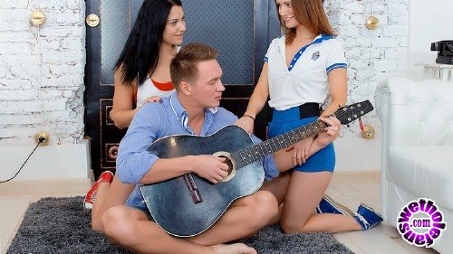FirstBGG - Sofy Torn, Jessica Lincoln - Two Sporty Babes Seduce Musician (HD 720p/1.04 GB)