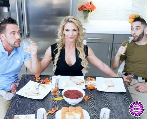 FamilyStrokes - Phoenix Marie - Army Boy Meets Busty Stepmom For Thanksgiving (FullHD/3.54GB)