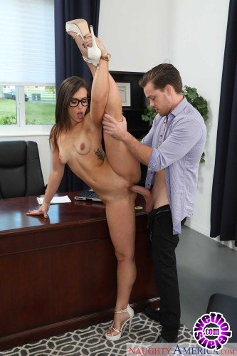 NaughtyOffice.com/NubilesNetwork - Kelsi Monroe - Naughty Office (HD/744MB)