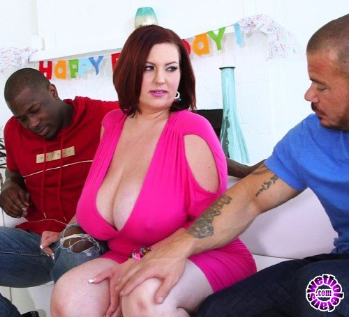 Scoreland/PornMegaLoad - Paige Turner - Paiges Interracial Threesome  (FullHD/1080p/1.23 GB)