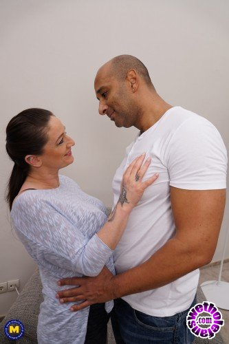Mature - Adrienne Kiss EU 42 - Horny housewife Adrienne goes interracial (FullHD/1080p/837 MB)