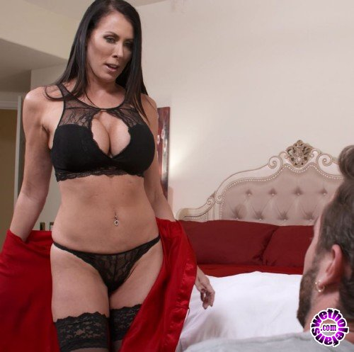 MyFriendsHotMom/NaughtyAmerica - Reagan Foxx - My Friends Hot Mom (FullHD/1080p/2.90 GB)