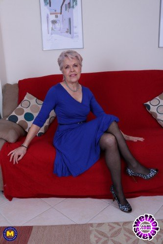 Mature - Lady Sextasy EU 64 - British mature Lady Sextasy fingering herself (FullHD/1080p/673 MB)