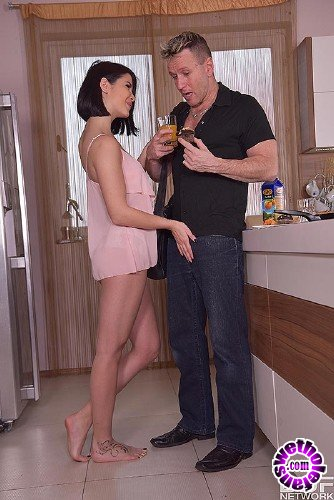 OnlyBlowjob/DDFNetwork - Lady Dee - How To Start Your Day (FullHD/1GB)