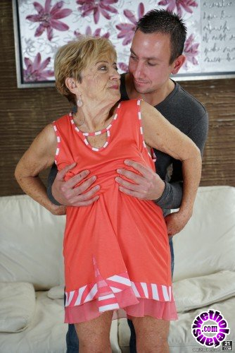 LustyGrandmas/21Sextreme - Malya, Rob - Infuse My Tea Bag (HD/720p/699 MB)