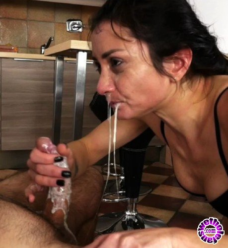 Clips4Sale - Valentina Bianco - Filthy Whore At Work (FullHD/1080p/928 MB)