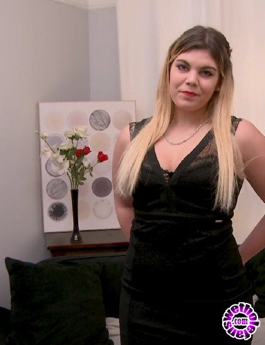 JacquieEtMichelTV - Ines  - Ines, 18ans, lyceenne sexy (HD/720p/678 MB)