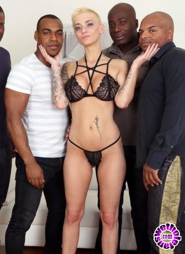 LegalPorno - Mila Milan - Mini Gangbang For Mila Milan - 4 Black Guys Cum All Over Her IV143 (HD/720p/1.93 GB)