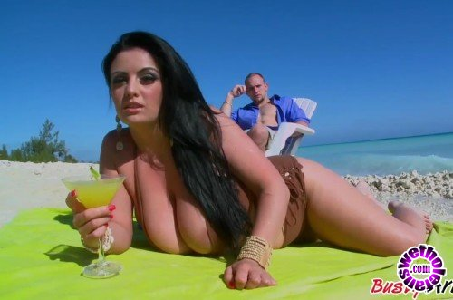 BustyArianna - Busty Arianna - Sand Surf And Snatch (HD/720p/272 MB)