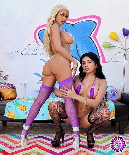TrueAnal - Aaliyah Hadid, Luna Star - Getting Nasty With Luna And Aaliyah (FullHD/1.94GB)