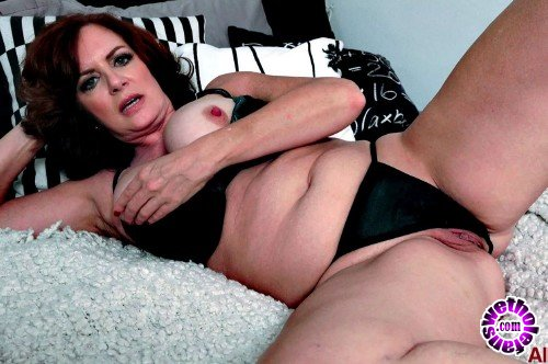 AllOver30 - Andi James - All Over 30 (FullHD/1080p/1.58 GB)