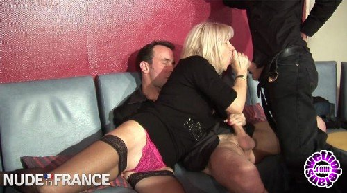 NudeInFrance - Amateurs - Older blonde tramp sucks hard young cock (HD/720p/675 MB)