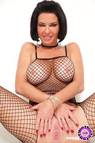 PinkoClub - James Deen, Veronica Avluv    - Hot Milf Veronica in a Fishnet Body Stocking squirts all her pleasure (FullHD/1080p/1.18 GB)
