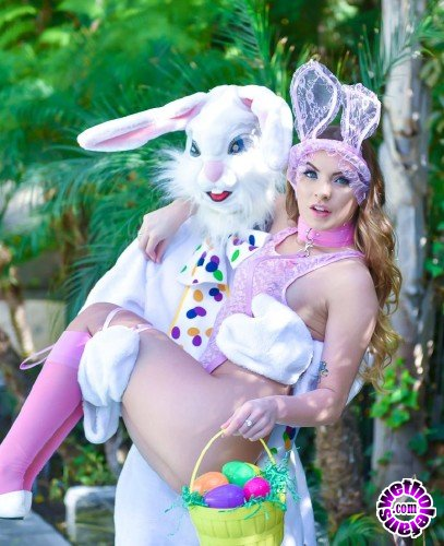 Exxxtrasmall/TeamSkeet - Summer Brooks - Mini Easter Bunny Babe Gets Slammed (FullHD/3.19 GB)