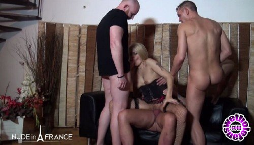 NudeInFrance - Venus Lova, Savannah - Gorgeous 40 yo Belgian mom gets double vaginal plugged and gangbanged (HD/720p/569 MB)