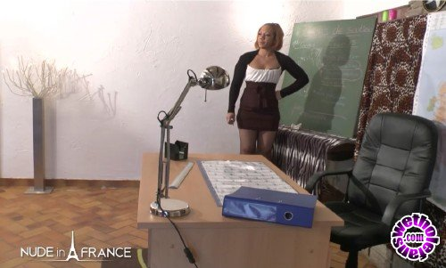 NudeInFrance - Cindy - Substitute teacher gets sex lesson from horny students (HD/720p/668 MB)