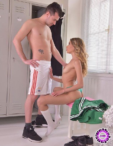 OnlyBlowJob/DDFNetwork - Baby Nicols - Cheerleader Craves Cum (HD/999MB)