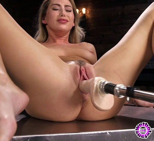 FuckingMachines/Kink - Carter Cruise - Carter Cruise Returns to Get Fucked Proper (HD/720p/1.54 GB)