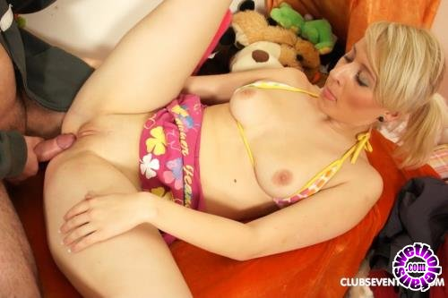 ClubSevenTeen - Sara K - Slutty Teen Sucking Cock Till He Cums (FullHD/1080p/1.51 GB)