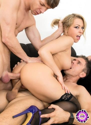 LegalPorno - Zoey Monroe - Zoey Monroe Takes The Ride Of Her Life With Double Anal AB008 (HD/720p/1.27 GB)