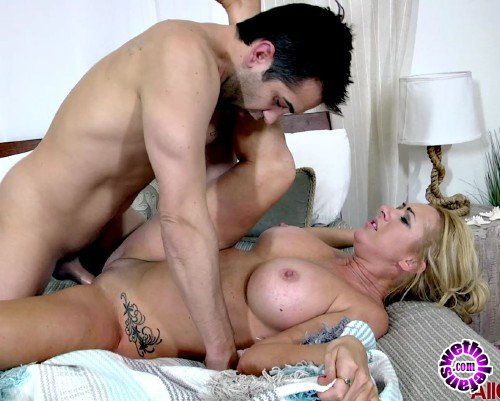 AllOver30 - Janna Hicks - All Over 30 (FullHD/1080p/1.03 GB)