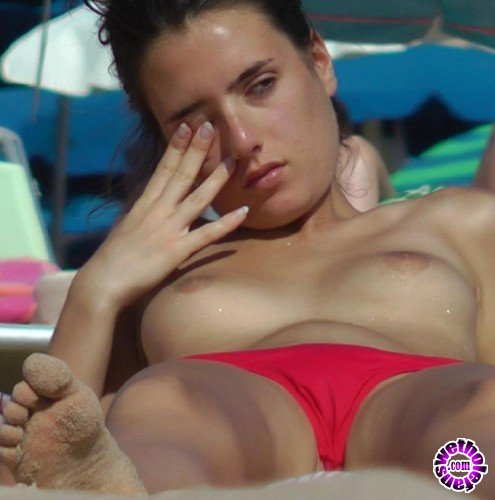 BeachJerk - Amateurs - Lady in red (FullHD/1080p/212 MB)