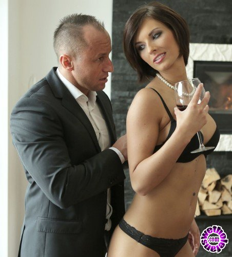 BangGlamkore/Bang - Jenifer Jane - Likes Her Men Muscular, Hard And In Her Ass (HD/716MB)