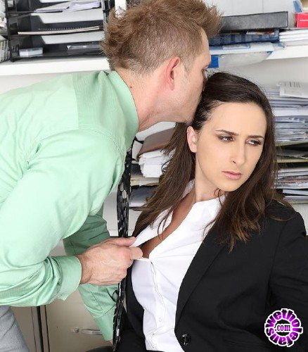 Blackmailed - Ashley Adams - Fashion Slut Ashley Anally Blackmailed (FullHD/3.32GB)