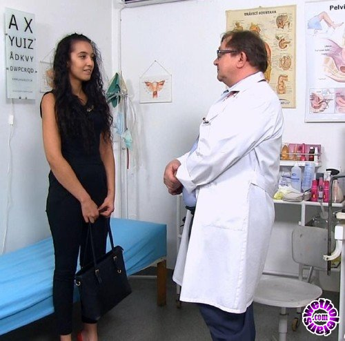 ExclusiveClub/FreakyDoctor - Taisia - 19 years girls gyno exam (HD/720p/1.33 GB)