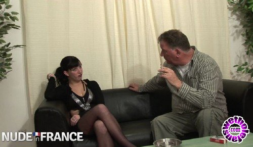 NudeInFrance - Mae - Horny French brunette has casting call (HD/720p/539 MB)