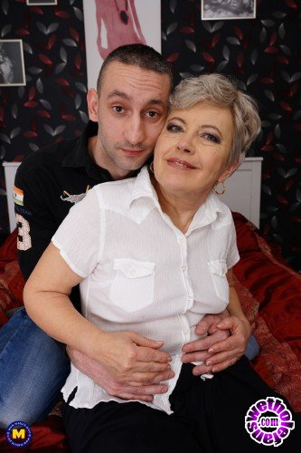 Mature - Klaudia D. 59 - Chubby mature lady doing her toyboy (FullHD/1080p/1.16 GB)