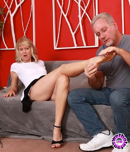 GoldenSlut - Jamie Foster - Tapping a Time Honored Twat (FullHD/1080p/1.38 GB)