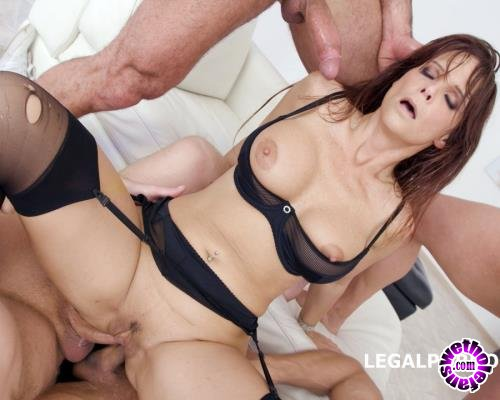 LegalPorno - Syren De Mer - 7 On 1 DAP Gangbang With Syren De Mer Balls Deep Anal And DAP, Gapes, Squirt, Facial GIO642 (UltraHD/4K/13.9 GB)