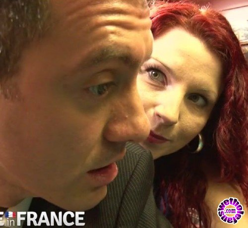 NudeInFrance - Julie Valmont - Slutty French redhead delivers pizza and pussy (HD/720p/642 MB)